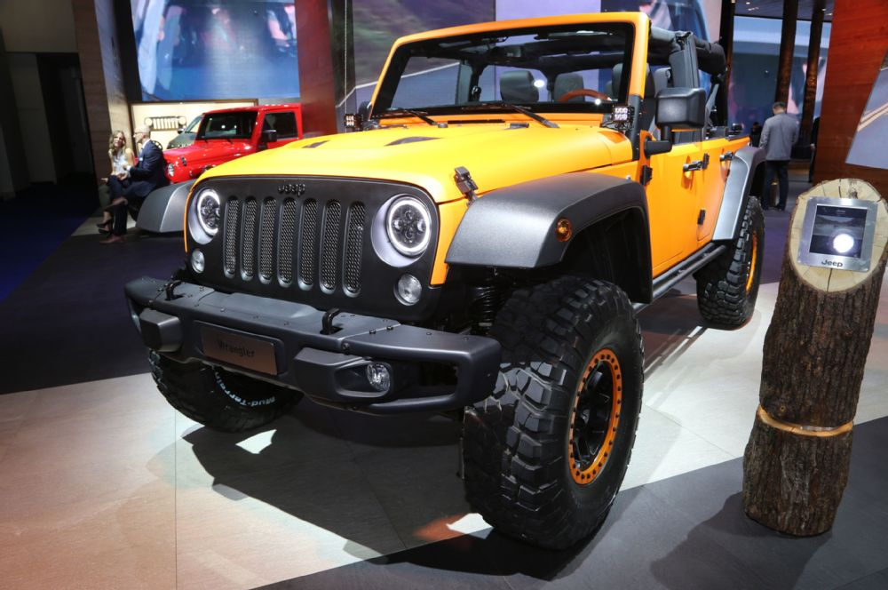 jeep-wrangler-rubicon-sunriser-front-three-quarter-02