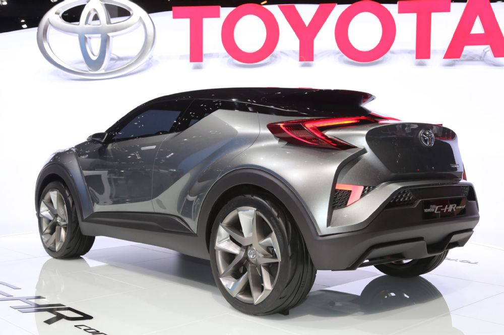 toyota-c-hr-concept-rear-three-quarter-01